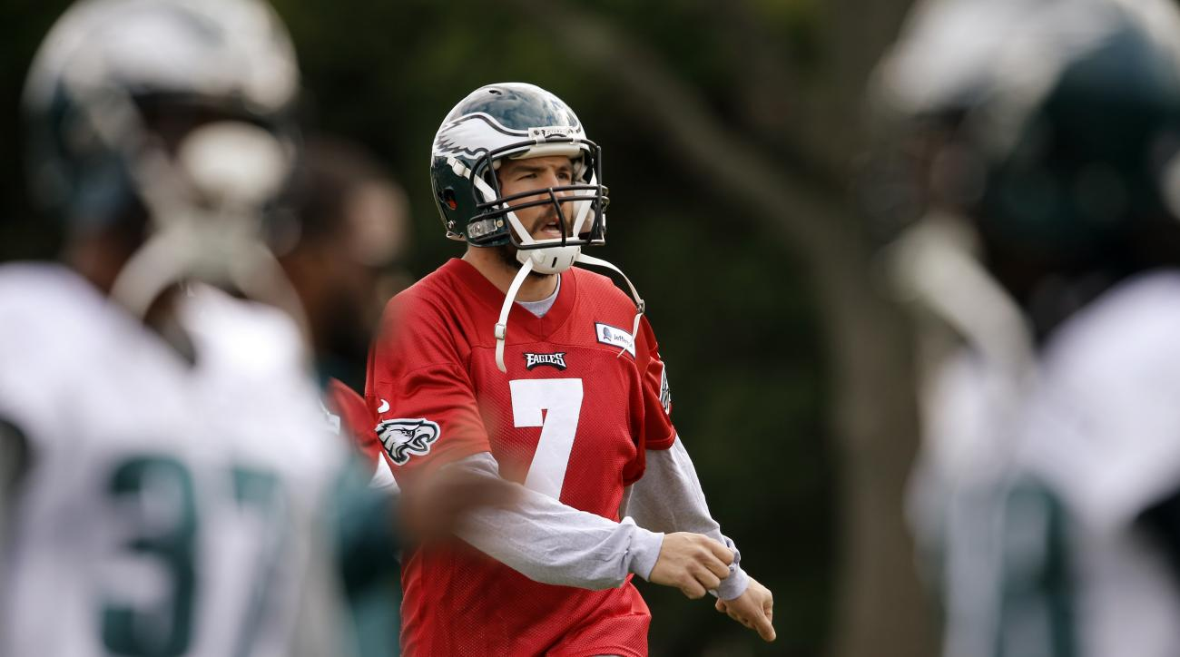 Philadelphia Eagles quarterback Sam Bradford (7) runs a drill at the NFL football team's practice facility, Tuesday, Dec. 15, 2015, in Philadelphia. (AP Photo/Matt Rourke)