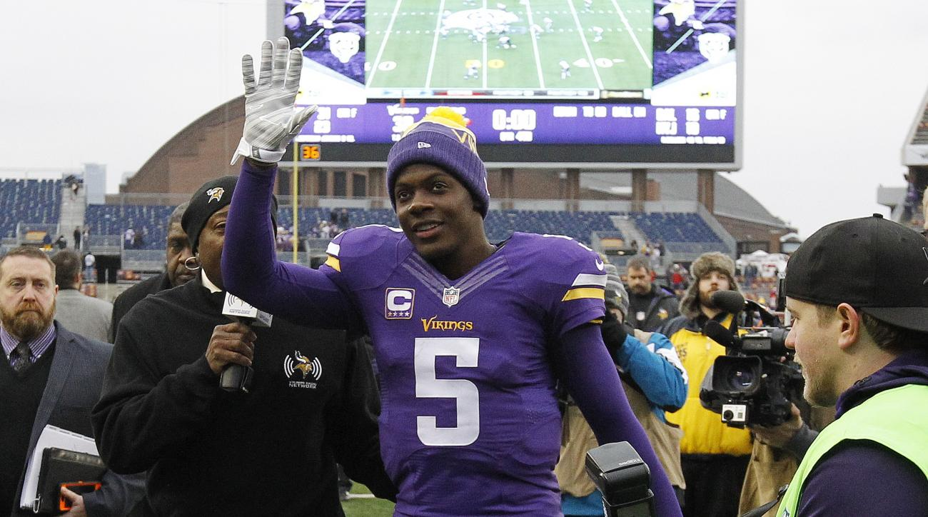 Minnesota Vikings quarterback Teddy Bridgewater (5) acknowledges the fans after an NFL football game against the Chicago Bears, Sunday, Dec. 20, 2015, in Minneapolis. The Vikings defeated the Bears 38-17. (AP Photo/Ann Heisenfelt)