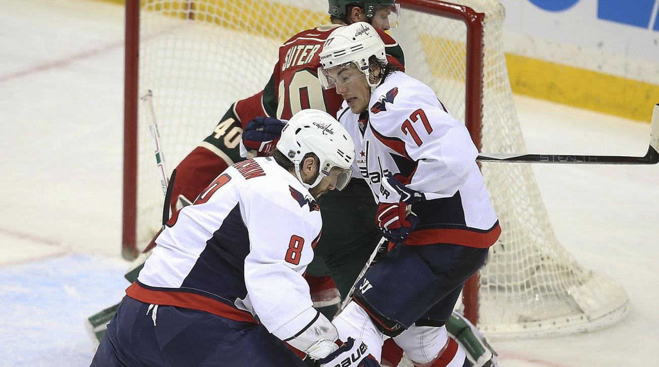 Washington Capitals left wing Alex Ovechkin works the puck against the Minnesota Wild during the second period of an NHL hockey game, Wednesday, Feb. 11, 2016 in St. Paul, Minn. (Elizabeth Flores/Star Tribune via AP)  MANDATORY CREDIT; ST. PAUL PIONEER PR