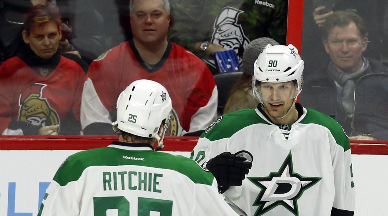 Dallas Stars' Jason Spezza (90) celebrates his goal against the Ottawa Senators with teammate Brett Ritchie (25) during second period NHL hockey action, in Ottawa on Sunday, March 6, 2016. (Fred Chartrand/The Canadian Press via AP)