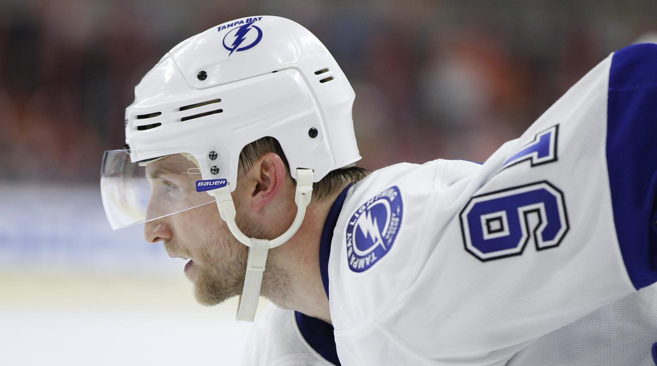 Tampa Bay Lightning's Steven Stamkos (91) looks on during the third period of an NHL hockey game against the Philadelphia Flyers, Monday, March 7, 2016, in Philadelphia. The Flyers won 4-2. (AP Photo/Chris Szagola)