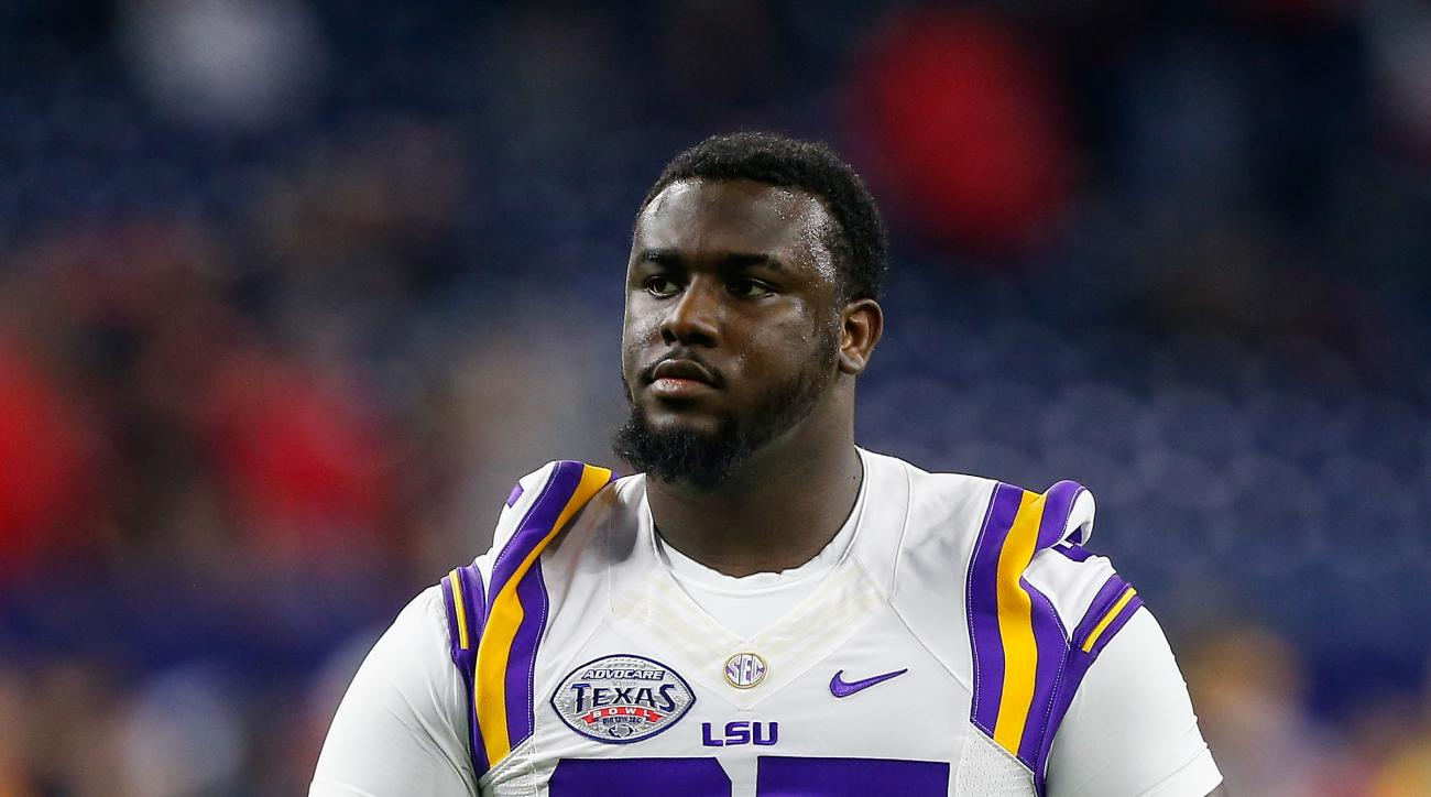 FILE - In this Dec. 29, 2015, file photo, LSU tight end Dillon Gordon (85) walks on the field during warm-ups before the Texas Bowl NCAA college football game, in Houston. LSU coach Les Miles says senior tight end Dillon Gordon was injured during what Bat