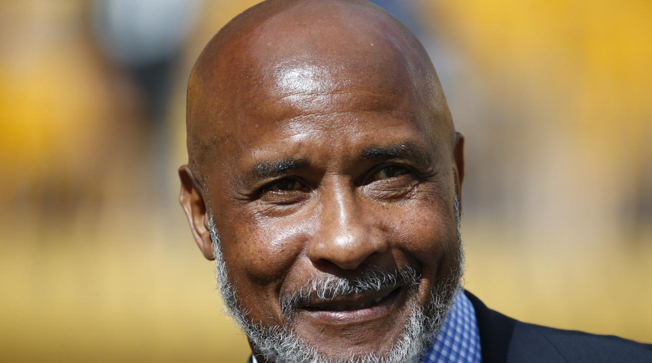Former Pittsburgh Steelers wide receiver Lynn Swann watches from the sideline before an NFL football game between the Pittsburgh Steelers and the San Francisco 49ers, Sunday, Sept. 20, 2015 in Pittsburgh       . The Steelers won 43-18. (AP Photo/Gene J. P