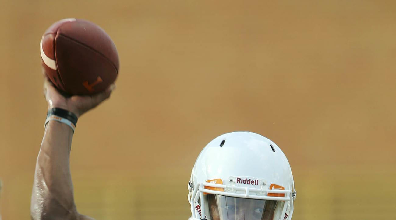 Tennessee quarterback Joshua Dobbs passes the ball during the first day of fall NCAA football practice, Monday, Aug. 1, 2016, in Knoxville, Tenn. (Wade Payne/Knoxville News Sentinel via AP)