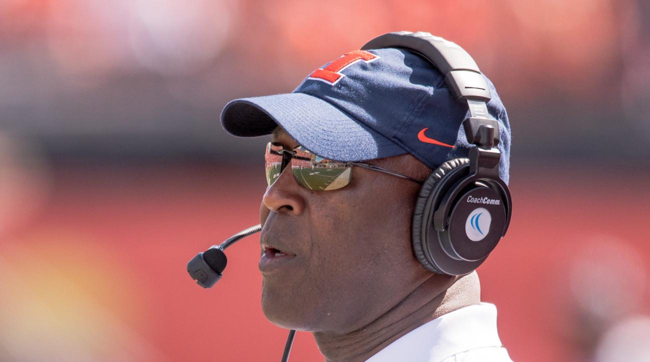 Illinois head coach Lovie Smith watches during the first quarter of an NCAA college football game against Murray State Saturday, Sept. 3, 2016 at Memorial Stadium in Champaign, Ill.  (AP Photo/Bradley Leeb)