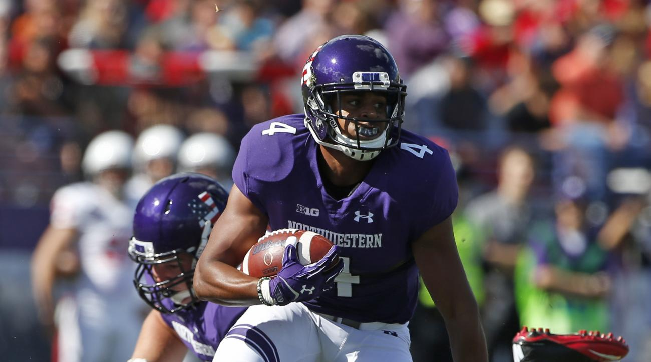 Northwestern wide receiver Solomon Vault (4) runs with the ball during the first half of an NCAA college football game against Illinois State in Evanston, Ill., Saturday, Sept. 10, 2016. (AP Photo/Nam Y. Huh)