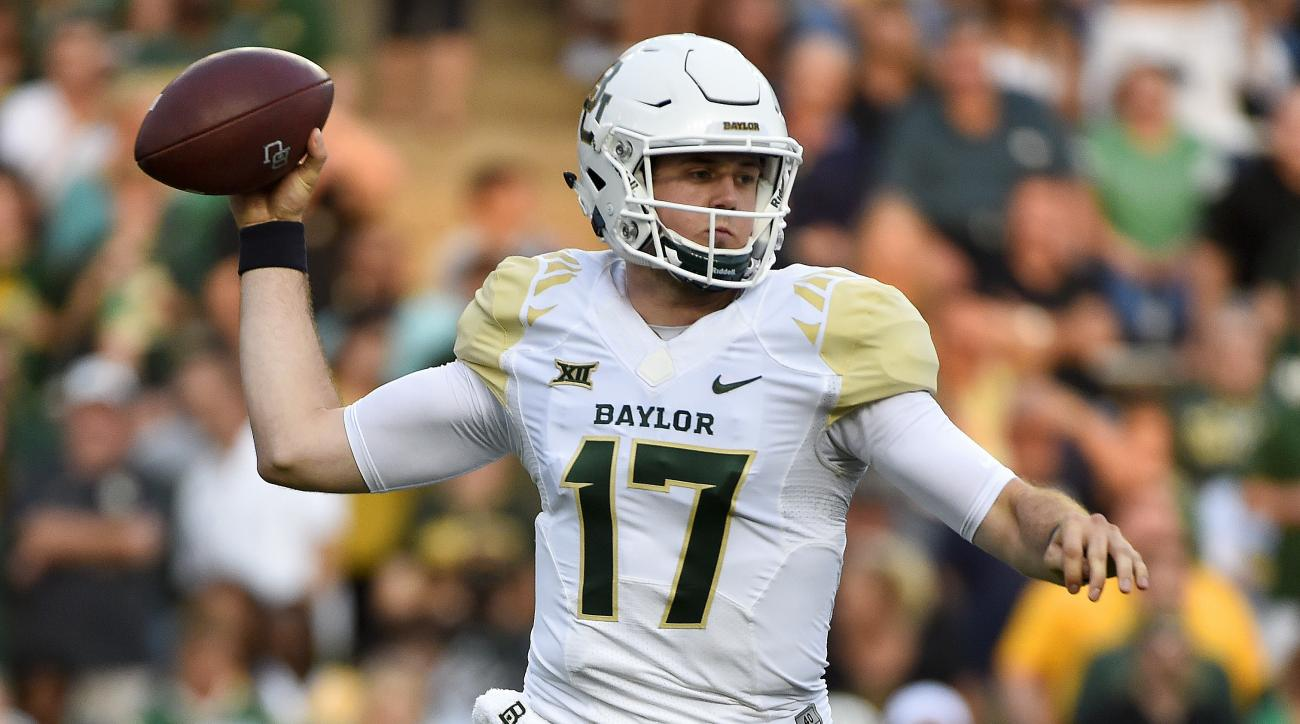 Baylor quarterback Seth Russell throws a pass in the first half of an NCAA college football game against Rice, Friday, Sept. 16, 2016, in Houston. (AP Photo/Eric Christian Smith)