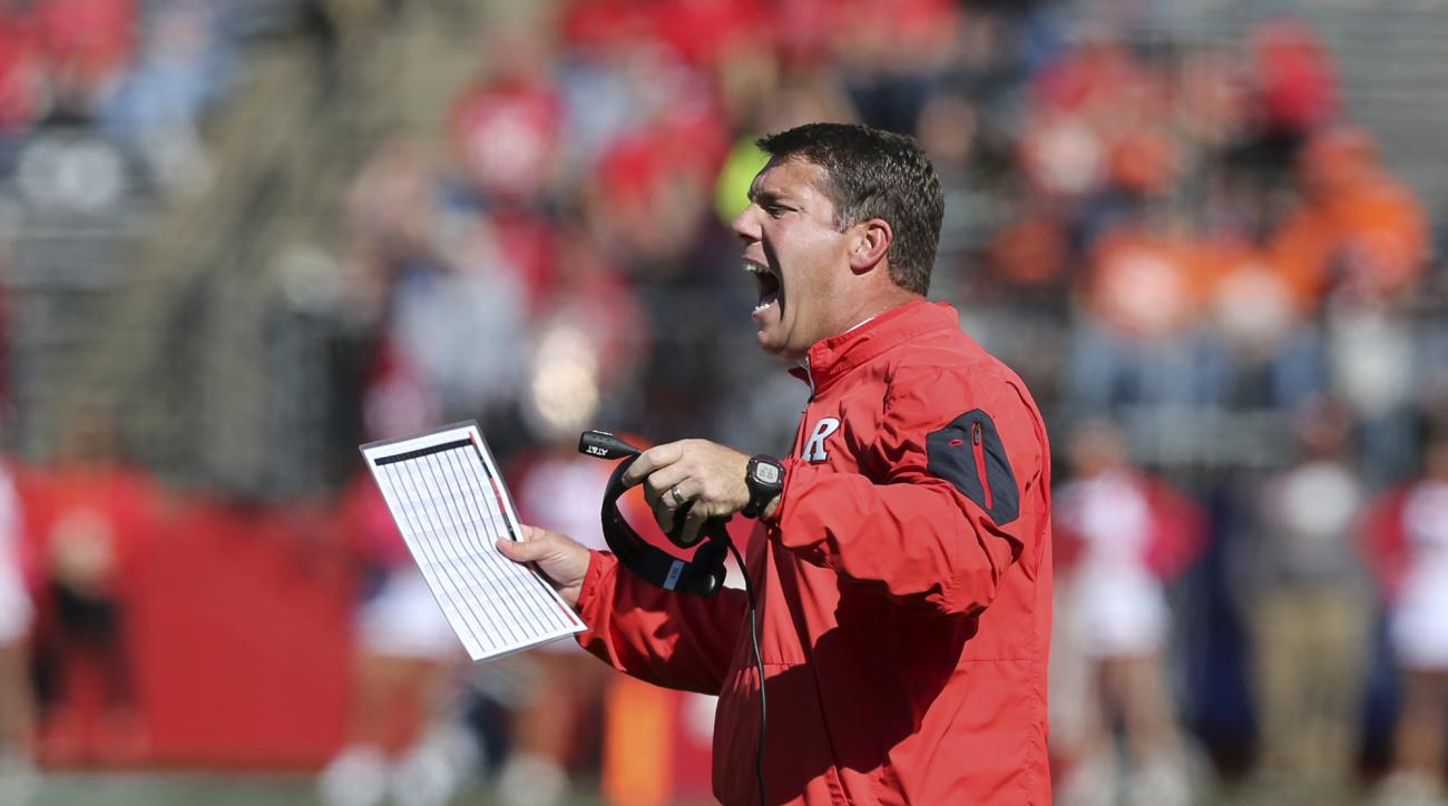 Rutgers head coach Chris Ash shouts at his players during the first half of an NCAA college football game against Illinois Saturday, Oct. 15, 2016, in Piscataway, N.J. (AP Photo/Mel Evans)