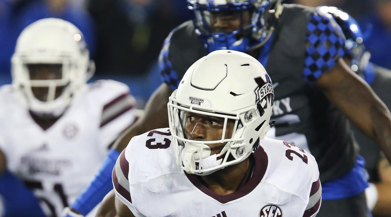 Mississippi State wide receiver Keith Mixon runs with the ball in the first half of an NCAA college football game against Kentucky, Saturday, Oct. 22, 2016, in Lexington, Ky. (AP Photo/David Stephenson)