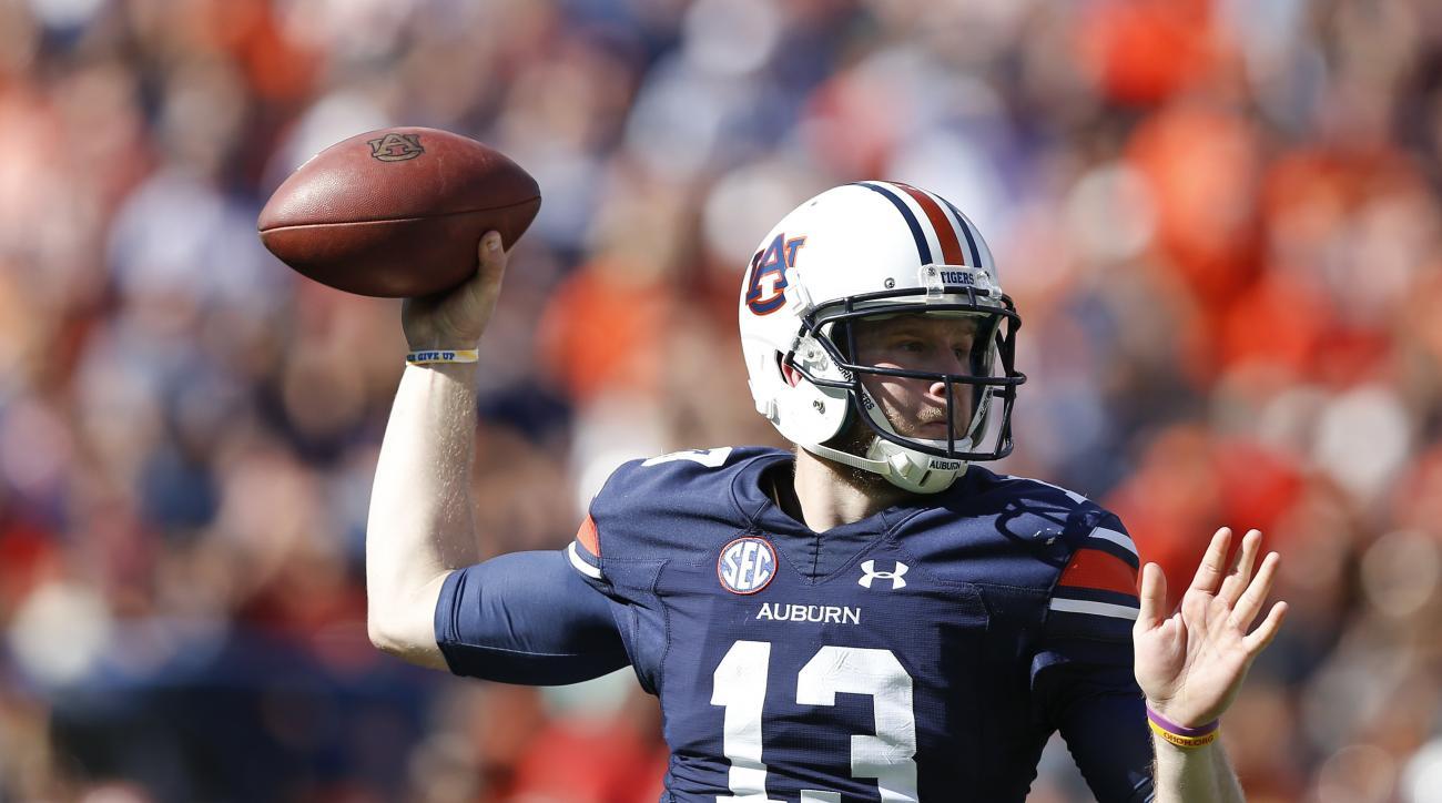 Auburn quarterback Sean White sets throws a pass during the second half of an NCAA college football game against Vanderbilt, Saturday, Nov. 5, 2016, in Auburn, Ala. Auburn won 23-16. (AP Photo/Brynn Anderson)