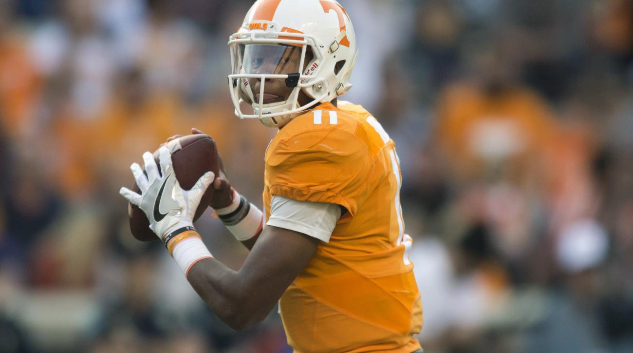 Tennessee quarterback Joshua Dobbs (11) looks for an open receiver during an NCAA college football game against Tennessee Tech, Saturday, Nov. 5, 2016, in Knoxville, Tenn. (Saul Young/Knoxville News Sentinel via AP)