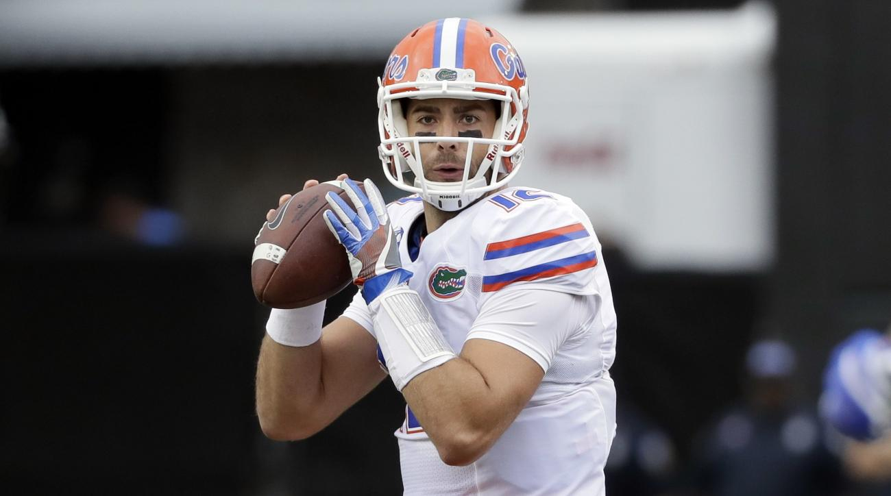 Florida quarterback Austin Appleby passes against Vanderbilt in the first half of an NCAA college football game Saturday, Oct. 1, 2016, in Nashville, Tenn. (AP Photo/Mark Humphrey)
