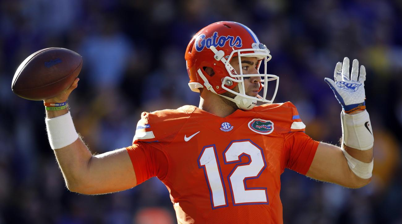 Florida quarterback Austin Appleby (12) throws a pas in the second half an NCAA college football game against LSU in Baton Rouge, La., Saturday, Nov. 19, 2016. Florida won 16-10. (AP Photo/Gerald Herbert)