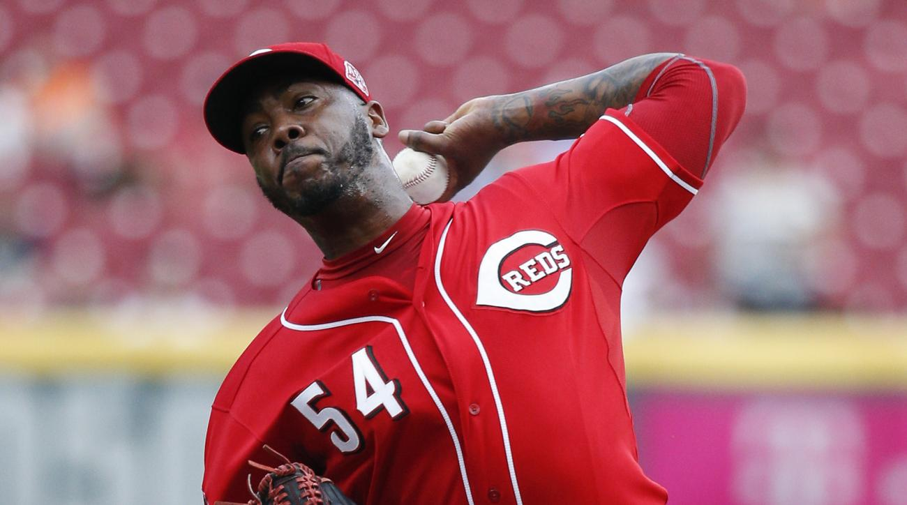 FILE - In this Sept. 7, 2015, file photo, Cincinnati Reds relief pitcher Aroldis Chapman throws in the ninth inning of a baseball game against the Pittsburgh Pirates in Cincinnati. Chapman and the New York Yankees have agreed to a one-year contract worth