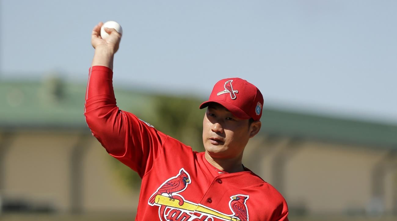 St. Louis Cardinals pitcher Seung Hwan Oh, of South Korea, throws off the mound during spring training baseball practice Thursday, Feb. 25, 2016, in Jupiter, Fla. (AP Photo/Jeff Roberson)