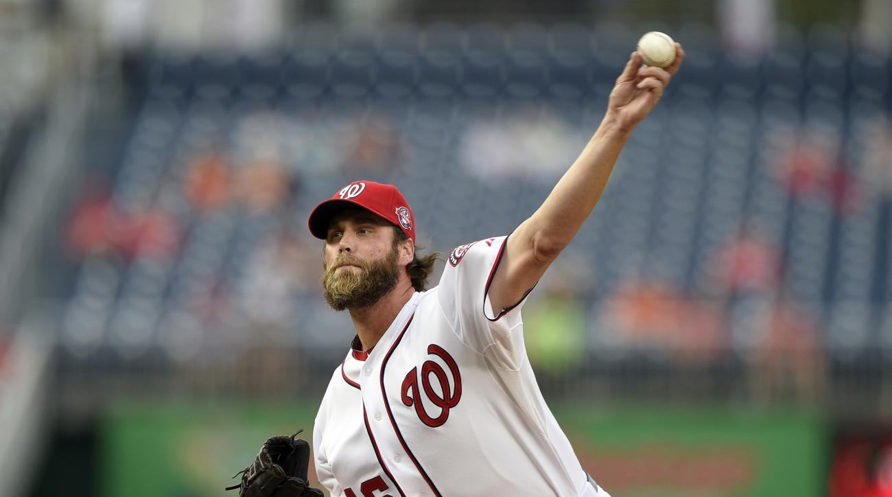 FILE - In this Sept. 24, 2015, file photo, Washington Nationals relief pitcher Matt Thornton (46) delivers a pitch against the Baltimore Orioles during an interleague baseball game in Washington. Thornton agreed to a minor league contract with the San Die