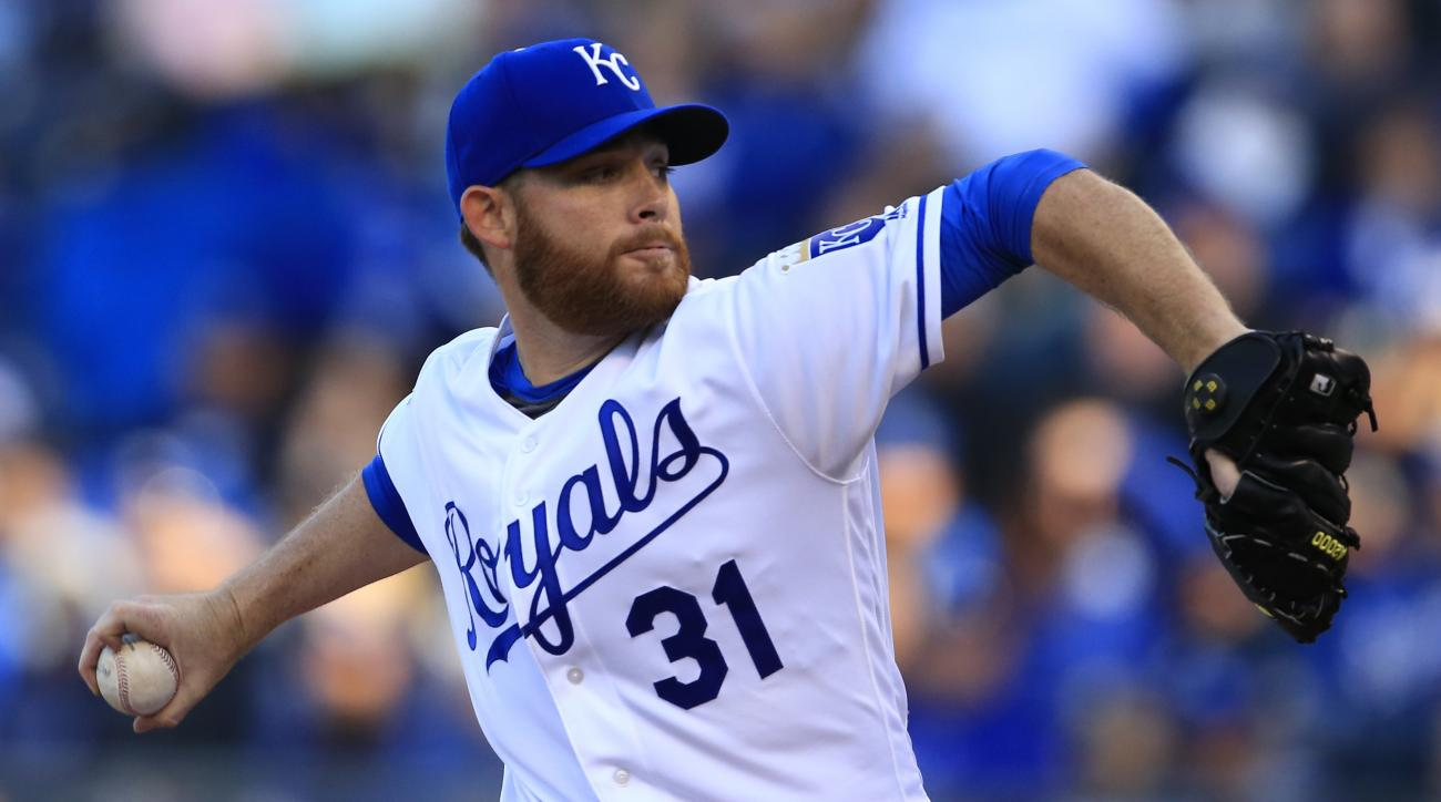 Kansas City Royals starting pitcher Ian Kennedy delivers to a Minnesota Twins batter during the first inning a baseball game at Kauffman Stadium in Kansas City, Mo., Saturday, April 9, 2016. (AP Photo/Orlin Wagner)
