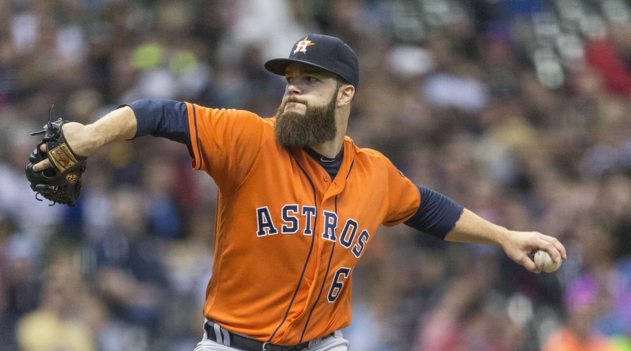 Houston Astros' Dallas Keuchel pitches to the Milwaukee Brewers during the first inning of a baseball game, Sunday, April 10, 2016, in Milwaukee. (AP Photo/Tom Lynn)