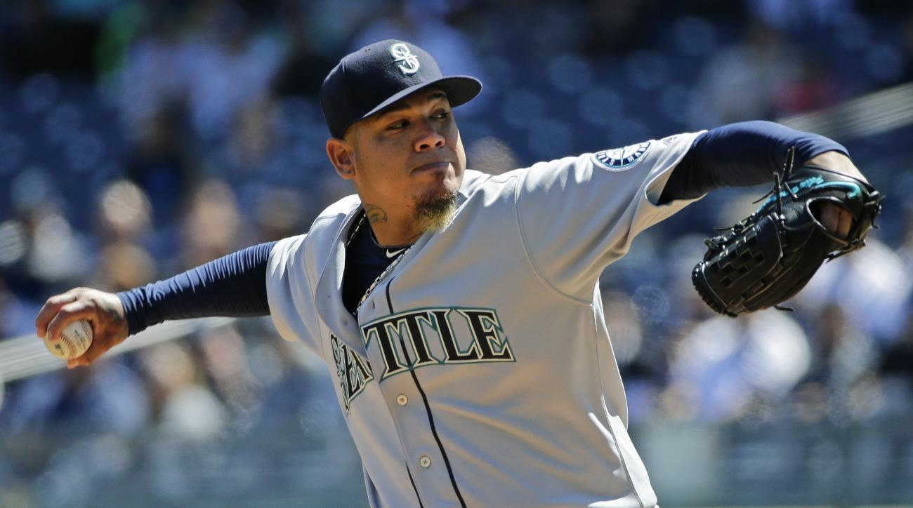 Seattle Mariners' Felix Hernandez delivers a pitch during the first inning of a baseball game against the New York Yankees Saturday, April 16, 2016, in New York. (AP Photo/Frank Franklin II)