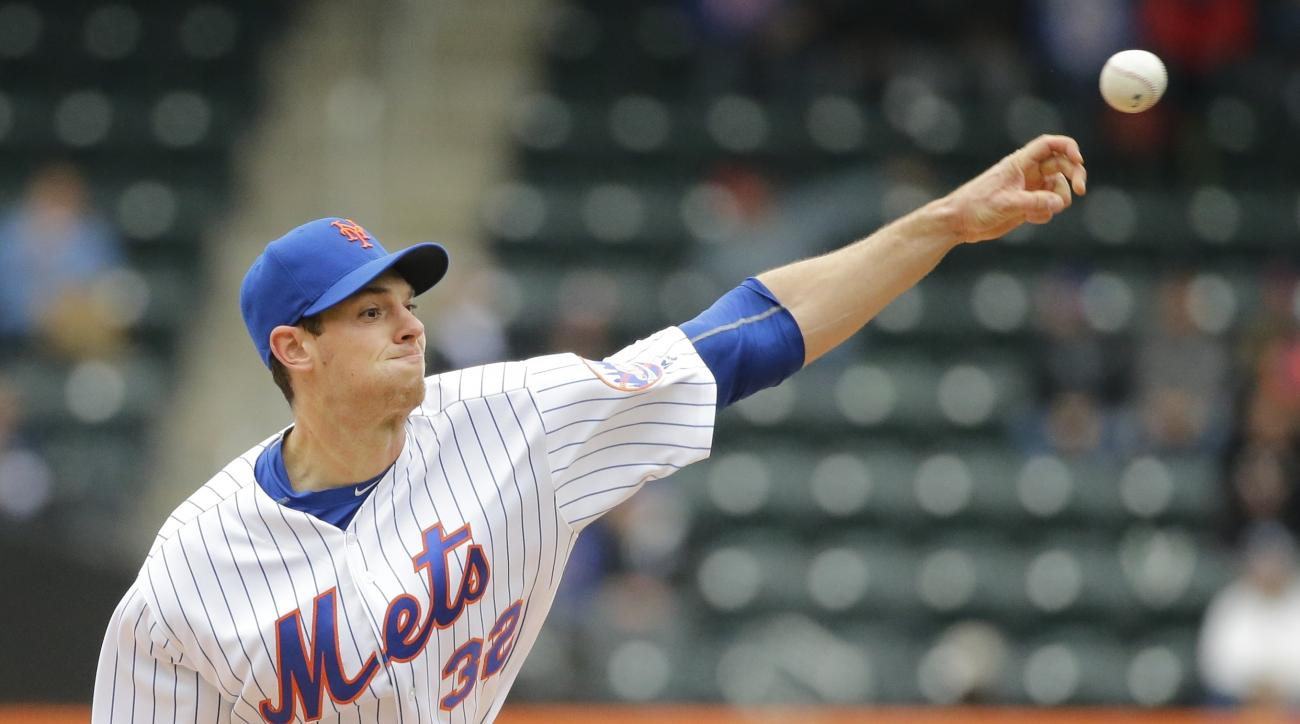 New York Mets' Steven Matz  delivers a pitch during the first inning of a baseball game against the Atlanta Braves Wednesday, May 4, 2016, in New York. (AP Photo/Frank Franklin II)