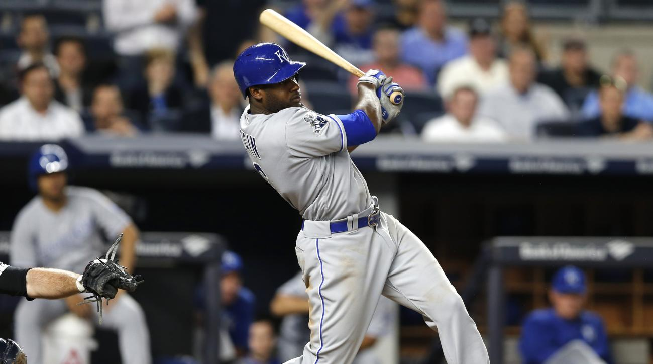 Kansas City Royals Lorenzo Cain (6) hits a sixth-inning, two-run single in a baseball game against the New York Yankees at Yankee Stadium in New York, Wednesday, May 11, 2016. (AP Photo/Kathy Willens)
