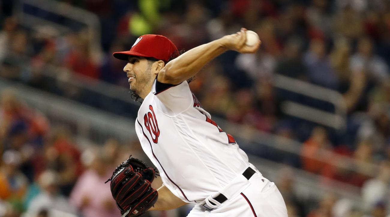 Washington Nationals starting pitcher Gio Gonzalez throws during the fourth inning of a baseball game against the New York Mets at Nationals Park, Monday, May 23, 2016, in Washington. (AP Photo/Alex Brandon)