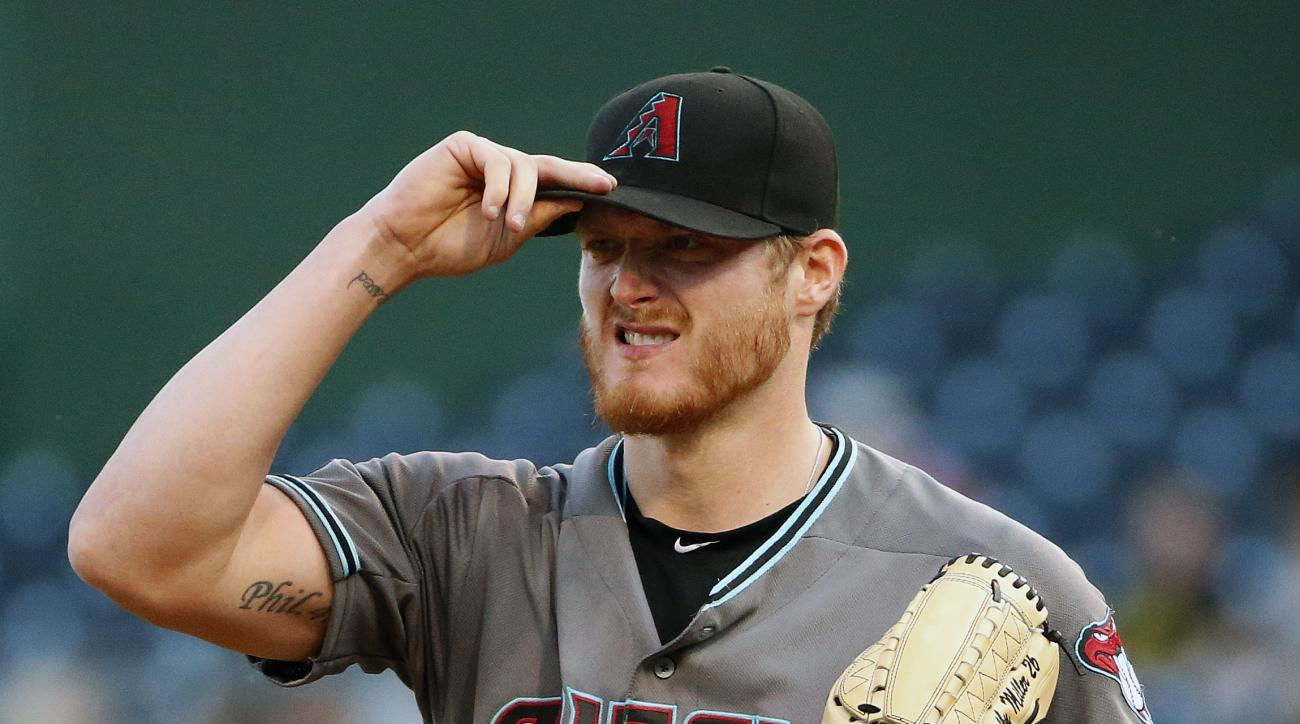 Arizona Diamondbacks starting pitcher Shelby Miller collects himself on the mound after giving up a three run home run to Pittsburgh Pirates' Gregory Polanco during the first inning of a baseball game against the Pittsburgh Pirates in Pittsburgh, Tuesday,