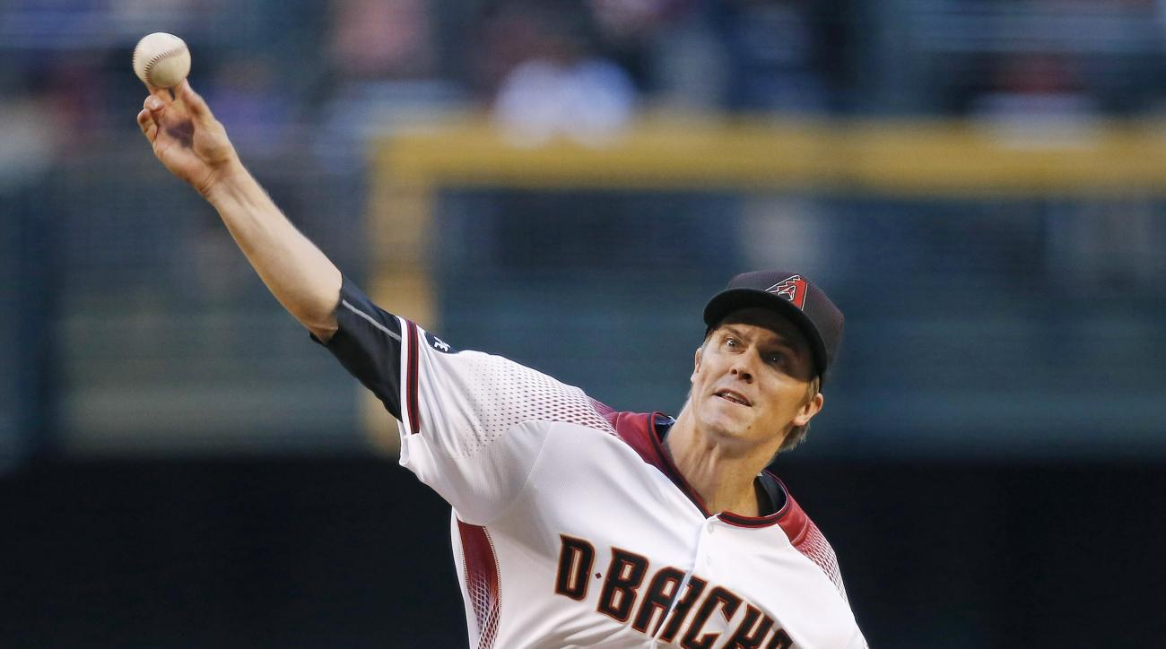 Arizona Diamondbacks' Zack Greinke throws a pitch against the Los Angeles Dodgers during the first inning of a baseball game Monday, June 13, 2016, in Phoenix. (AP Photo/Ross D. Franklin)