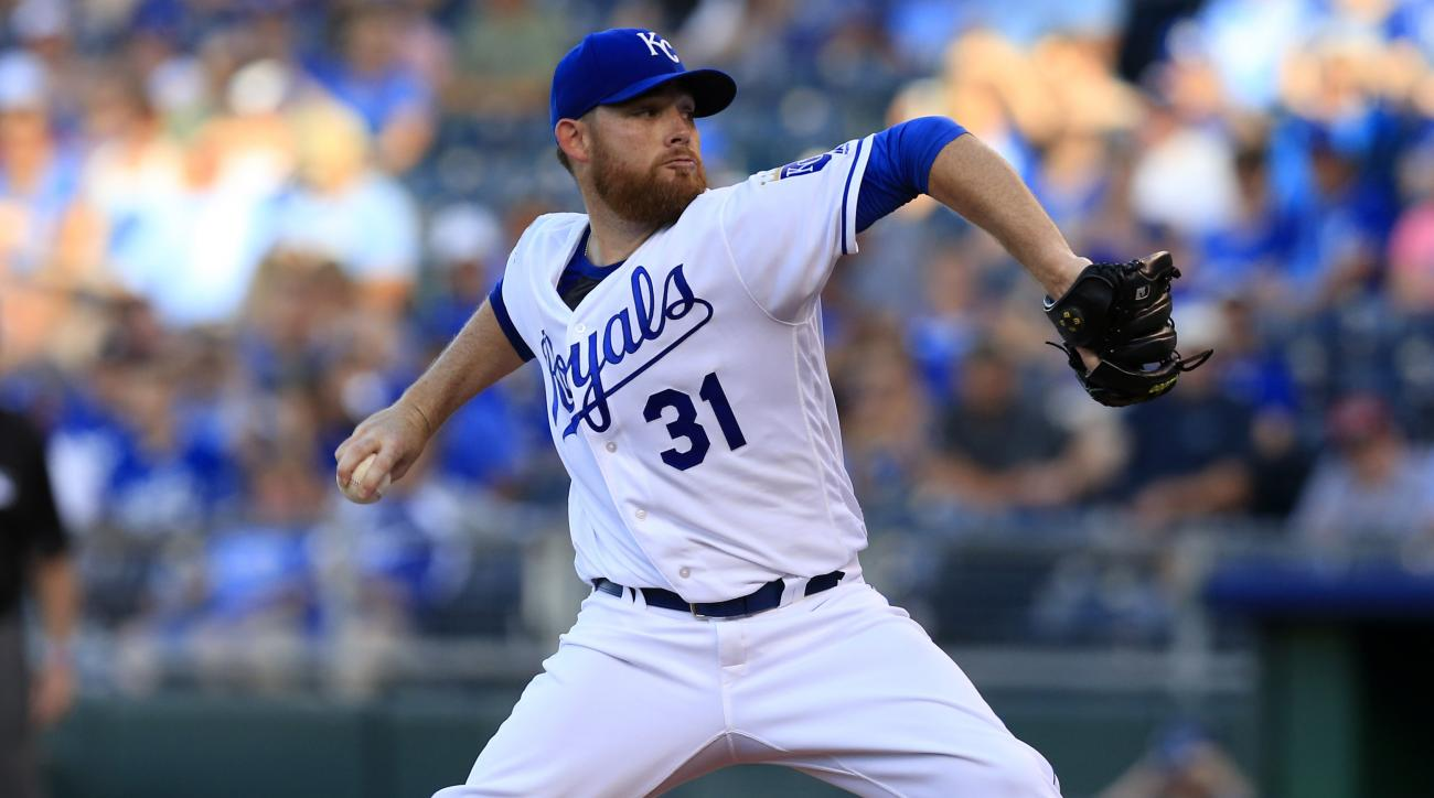 Kansas City Royals starting pitcher Ian Kennedy delivers to a Cleveland Indians batter during the first inning of a baseball game at Kauffman Stadium in Kansas City, Mo., Wednesday, June 15, 2016. (AP Photo/Orlin Wagner)