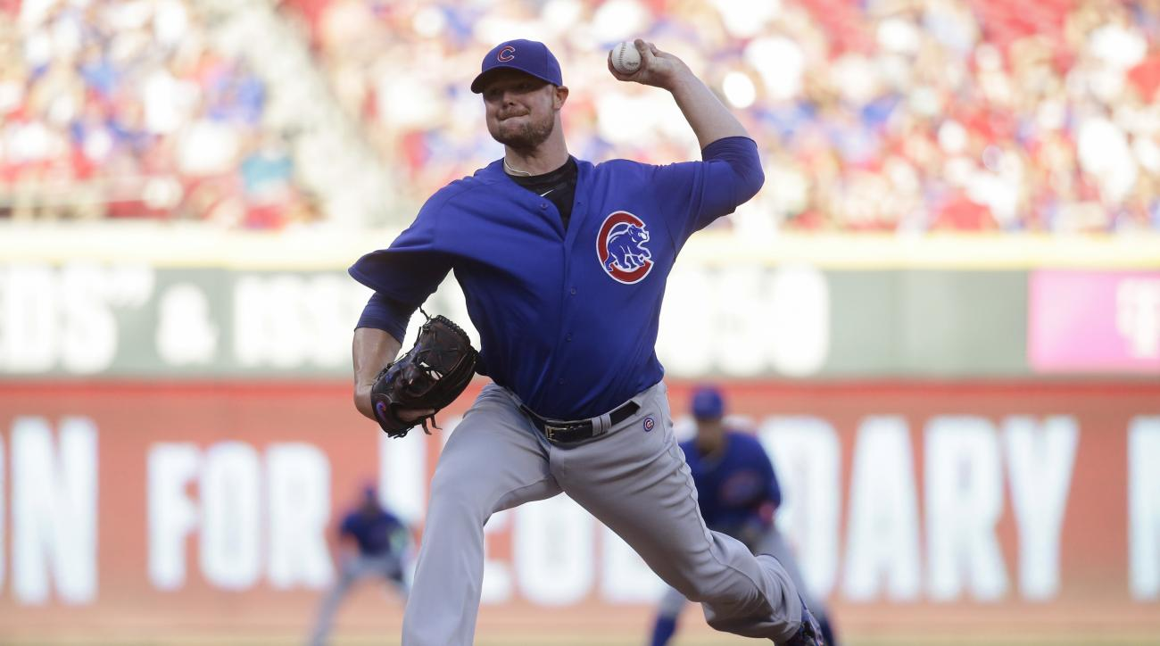 Chicago Cubs starting pitcher Jon Lester throws during the second inning of a baseball game against the Cincinnati Reds, Tuesday, June 28, 2016, in Cincinnati. (AP Photo/John Minchillo)