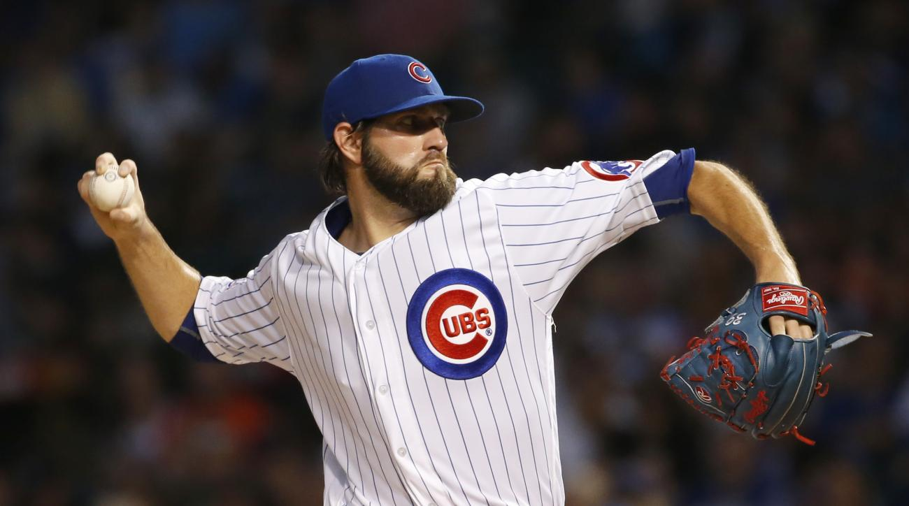 Chicago Cubs starter Jason Hammel throws against the Atlanta Braves during the first inning of a baseball game Thursday, July 7, 2016, in Chicago. (AP Photo/Nam Y. Huh)