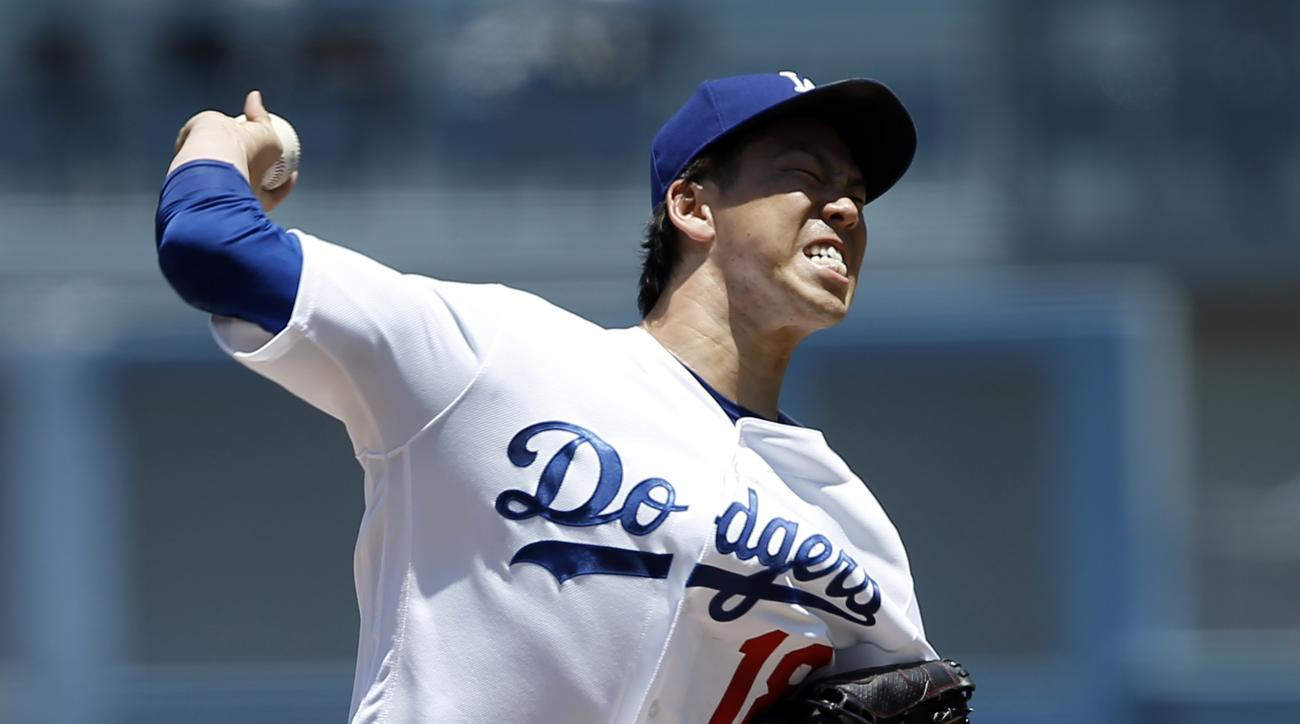 Los Angeles Dodgers starting pitcher Kenta Maeda throws to the plate against the San Diego Padres during the first inning of a baseball game in Los Angeles, Sunday, July 10, 2016. (AP Photo/Alex Gallardo)