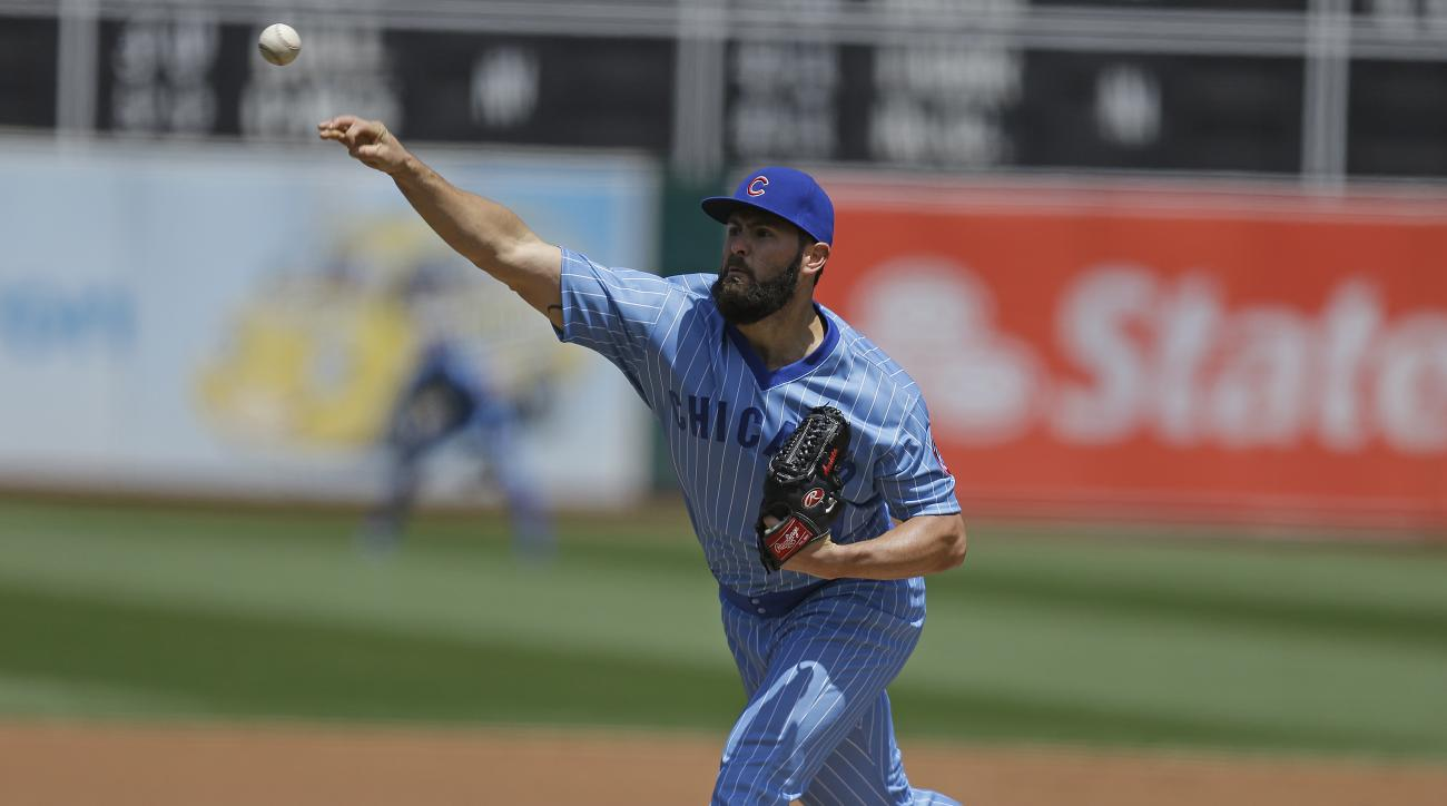 Chicago Cubs pitcher Jake Arrieta works against the Oakland Athletics in the first inning of a baseball game Saturday, Aug. 6, 2016, in Oakland, Calif. (AP Photo/Ben Margot)