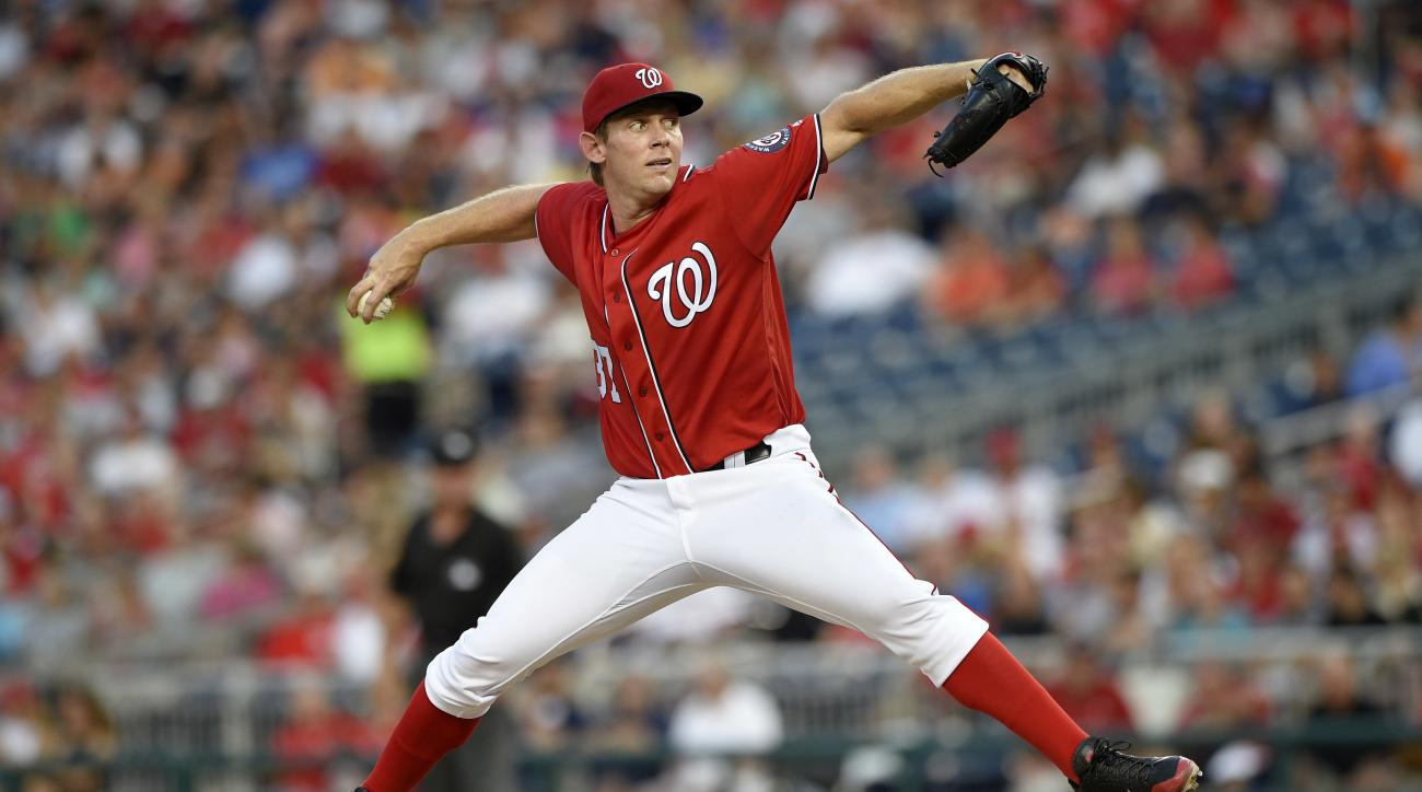 Washington Nationals starting pitcher Stephen Strasburg delivers a pitch during the third inning of a baseball game against the San Francisco Giants, Saturday, Aug. 6, 2016, in Washington. (AP Photo/Nick Wass)