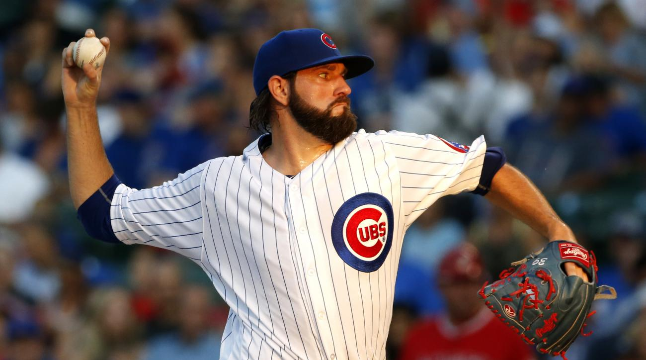 Chicago Cubs starter Jason Hammel throws against the Los Angeles Angels during the first inning of a baseball game in Chicago, Wednesday, Aug. 10, 2016. (AP Photo/Nam Y. Huh)