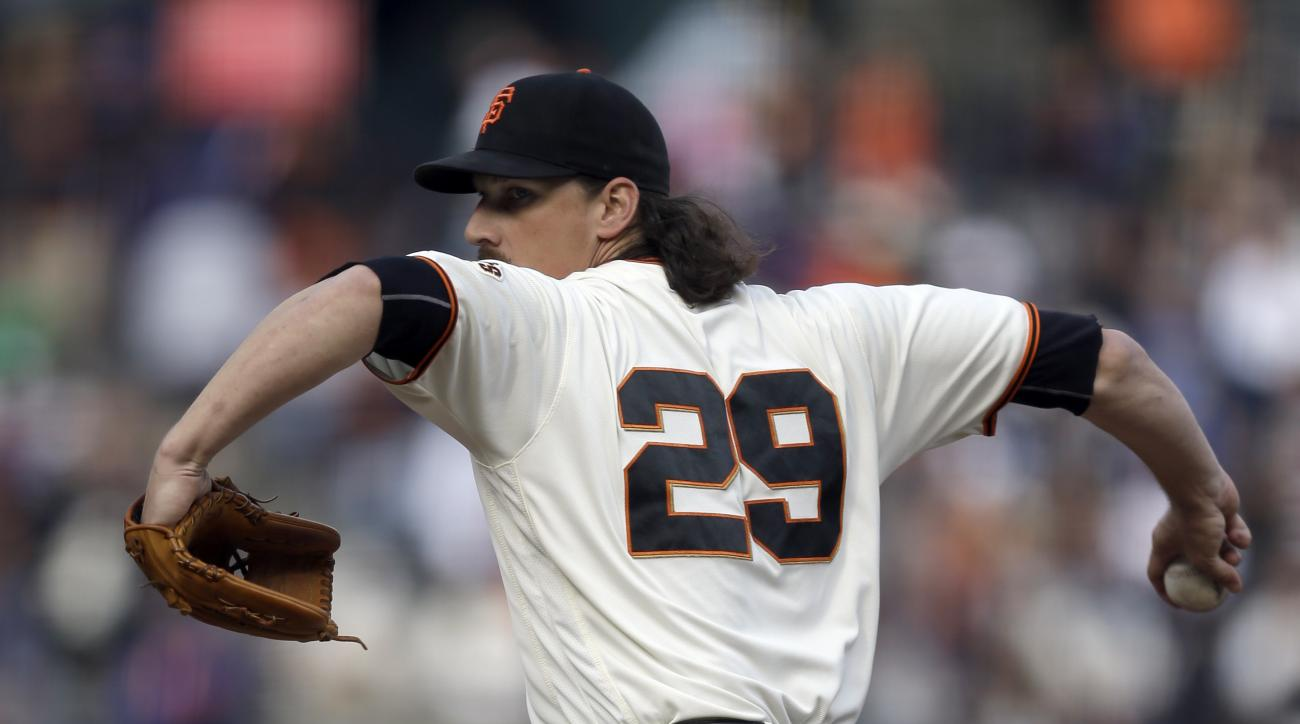San Francisco Giants pitcher Jeff Samardzija works against the New York Mets in the first inning of a baseball game, Sunday, Aug. 21, 2016, in San Francisco. (AP Photo/Ben Margot)