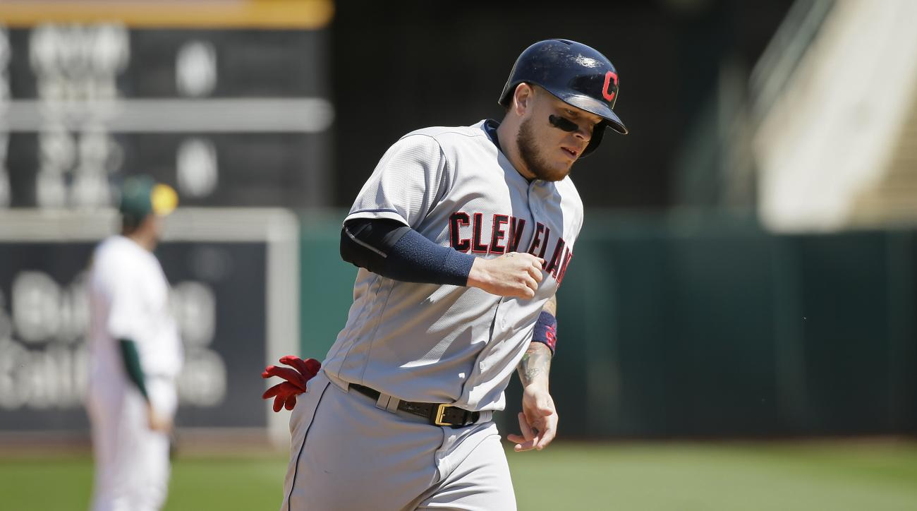 Cleveland Indians' Roberto Perez circles the bases after hitting a home run off Oakland Athletics starting pitcher Kendall Graveman in the seventh inning of a baseball game Wednesday, Aug. 24, 2016, in Oakland, Calif. (AP Photo/Eric Risberg)