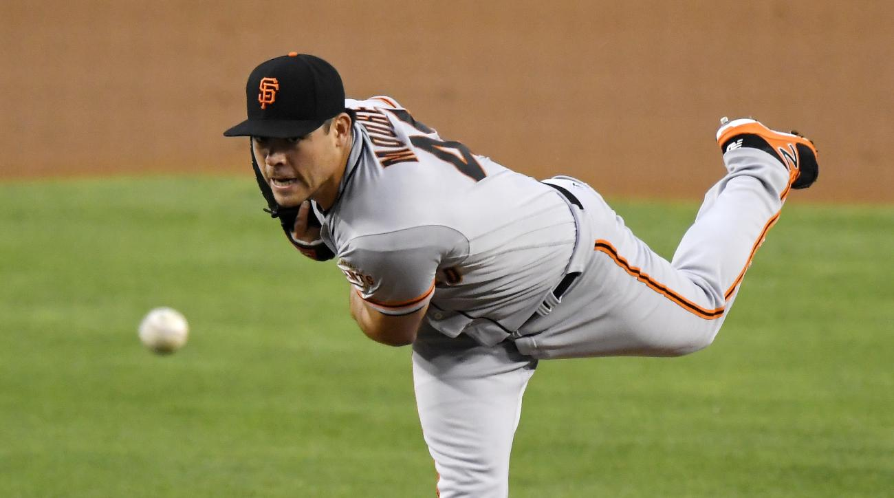 San Francisco Giants starting pitcher Matt Moore throws during the first inning of a baseball game against the Los Angeles Dodgers, Thursday, Aug. 25, 2016, in Los Angeles. (AP Photo/Mark J. Terrill)