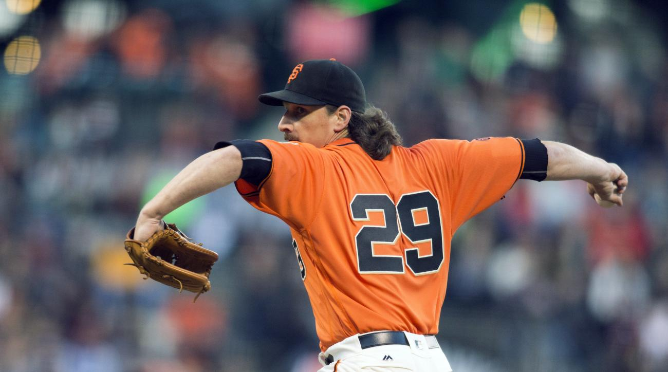 San Francisco Giants starting pitcher Jeff Samardzija (29) delivers against the Atlanta Braves during the first inning of a baseball game Friday, Aug. 26, 2016, in San Francisco. (AP Photo/D. Ross Cameron)