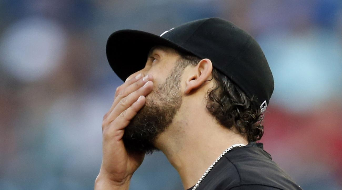 Chicago White Sox pitcher James Shields reacts after giving up a walk to Minnesota Twins' Trevor Plouffe in the first inning of a baseball game Saturday, Sept. 3, 2016, in Minneapolis. (AP Photo/Jim Mone)