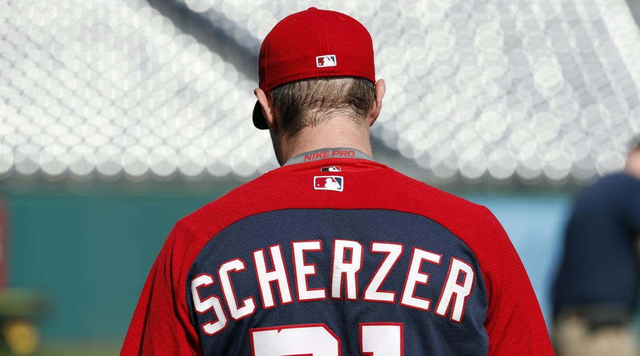 Washington Nationals starting pitcher Max Scherzer walks to the mound to start baseball batting practice at Nationals Park, Tuesday, Oct. 4, 2016, in Washington. The Nationals host the Los Angeles Dodgers in Game 1 of the National League Division Series o