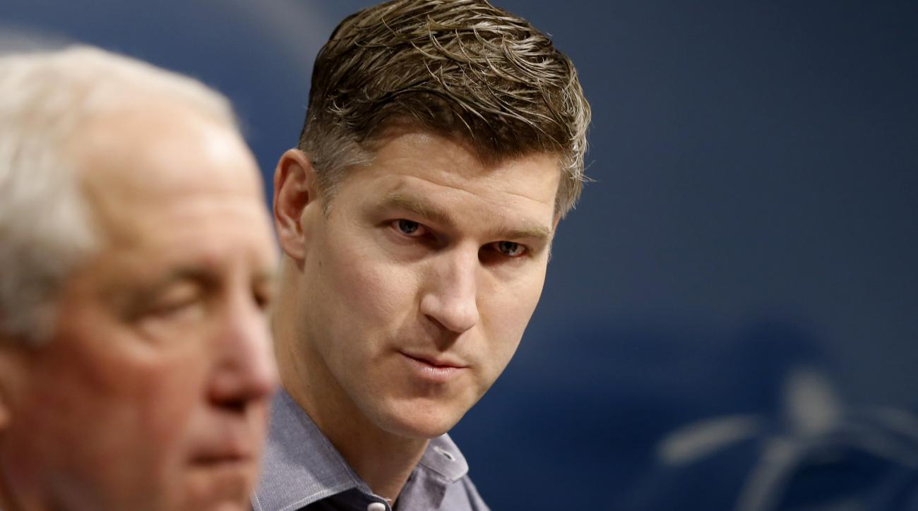 Chicago Bears general manager Ryan Pace, right, and coach John Fox, left, addresses reporters during an end of season NFL news conference at Halas Hall Monday, Jan. 4, 2016, in Lake Forest Ill. (AP Photo/Charles Rex Arbogast)