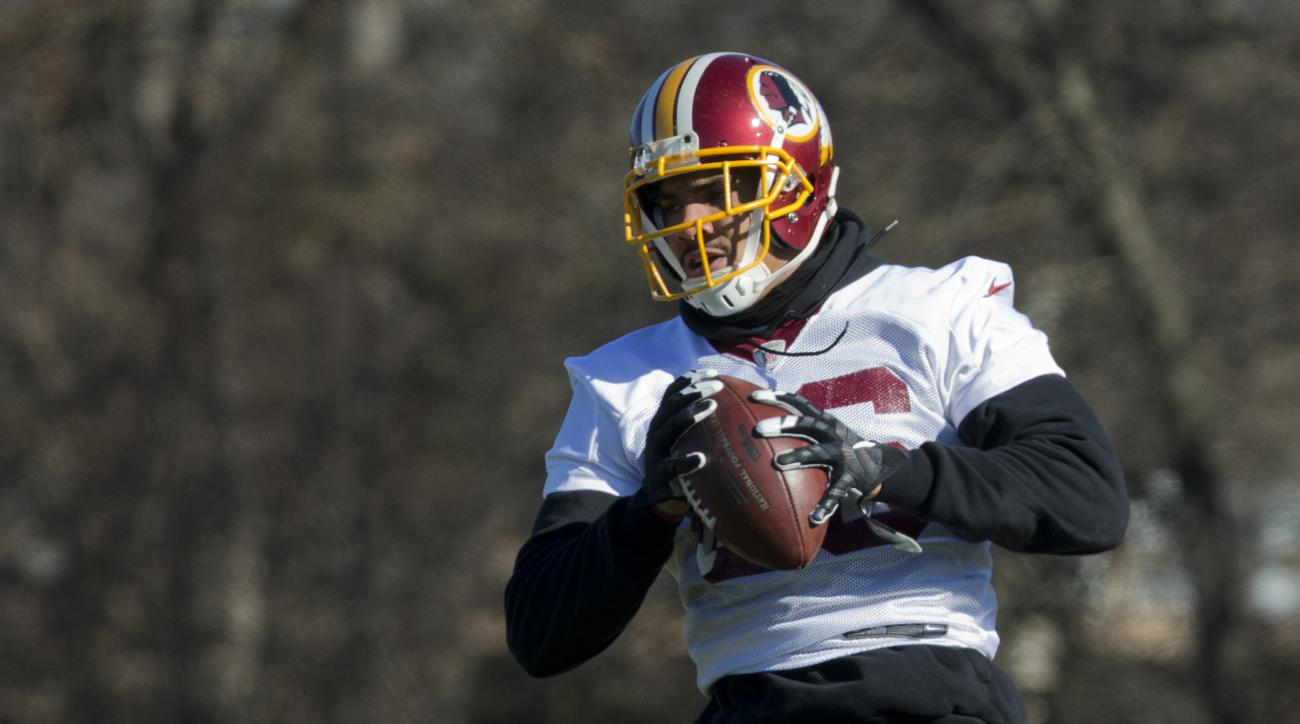 Washington Redskins Jordan Reed (86), catches a pass during NFL football practice at the Redskins Park in Ashburn, Va., Wednesday, Jan. 6, 2016.  (AP Photo/Manuel Balce Ceneta)