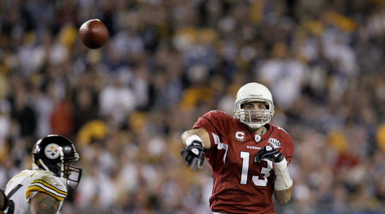 FILE - In this Feb. 1, 2009, file photo, Arizona Cardinals quarterback Kurt Warner throws a pass during against the Pittsburgh Steelers during NFL football's Super Bowl XLIII in Tampa, Fla. Pittsburgh won 27-23. (AP Photo/Winslow Townson, File)