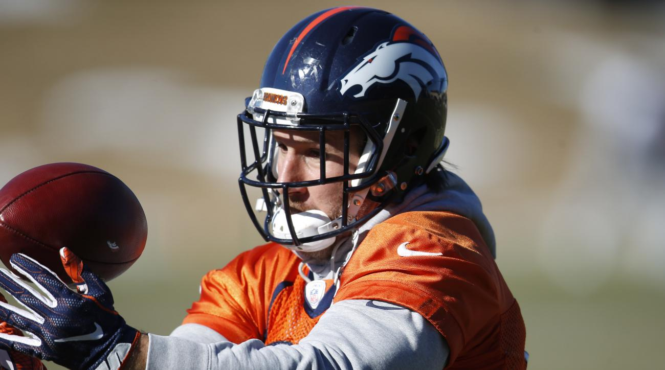 Denver Broncos tight end Owen Daniels pulls in a pass during an NFL football practice at the team's headquarters Thursday, Jan. 21, 2016, in Englewood, Colo. The Broncos host the New England Patriots in the AFC Championship game in Denver on Sunday. (AP P