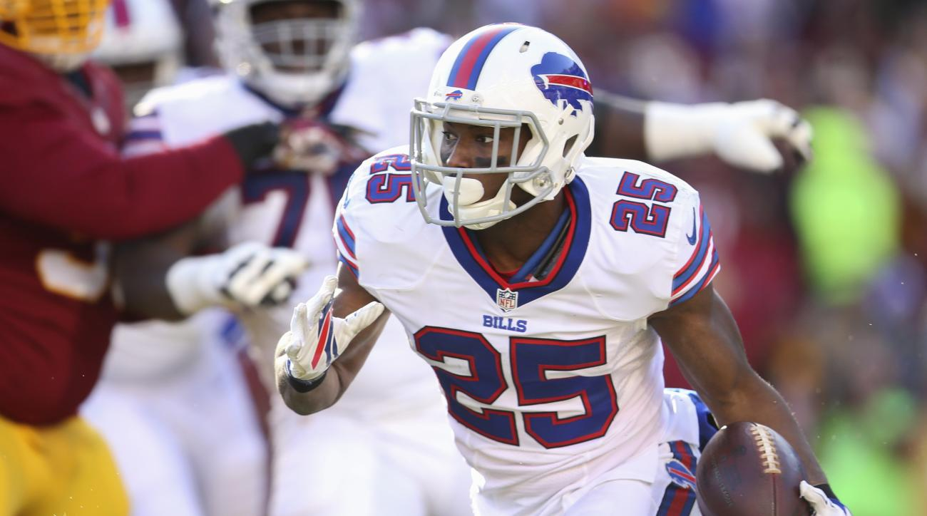 Buffalo Bills running back LeSean McCoy (25) carries the ball during the first half of an NFL football game against the Washington Redskins in Landover, Md., Sunday, Dec. 20, 2015. (AP Photo/Andrew Harnik)