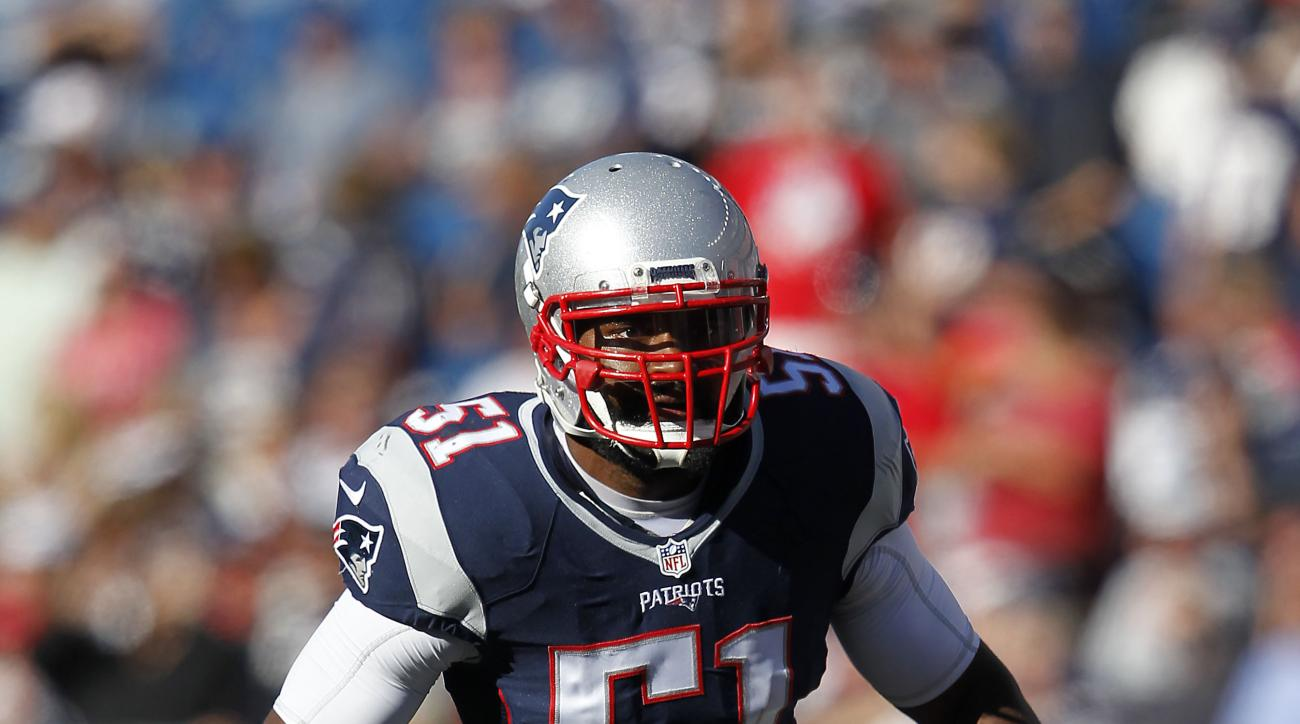 New England Patriots linebacker Jerod Mayo (51) during the fourth quarter of an NFL game, Sunday, Sept. 27, 2015, in Foxborough, Mass. (AP Photo/Stew Milne)
