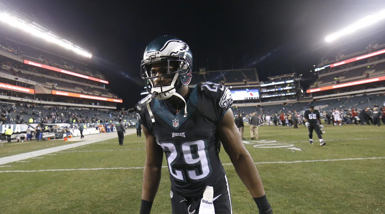 Philadelphia Eagles' DeMarco Murray walks off the field after an NFL football game against the Arizona Cardinals, Sunday, Dec. 20, 2015, in Philadelphia. Arizona won 40-17. (AP Photo/Michael Perez)