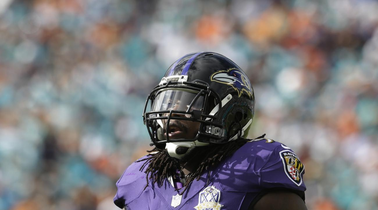 Baltimore Ravens outside linebacker Courtney Upshaw (91) on the field during the first half of an NFL football game against the Miami Dolphins, Sunday, Dec. 6, 2015, in Miami Gardens, Fla.  (AP Photo/Lynne Sladky)