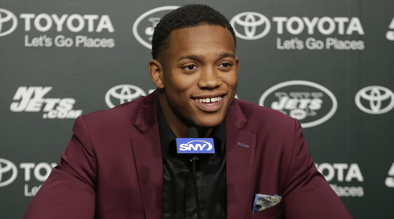 New York Jets first-round pick Darron Lee, of Ohio State, speaks during a news conference Friday, April 29, 2016, in Florham Park, N.J. (AP Photo/Frank Franklin II)